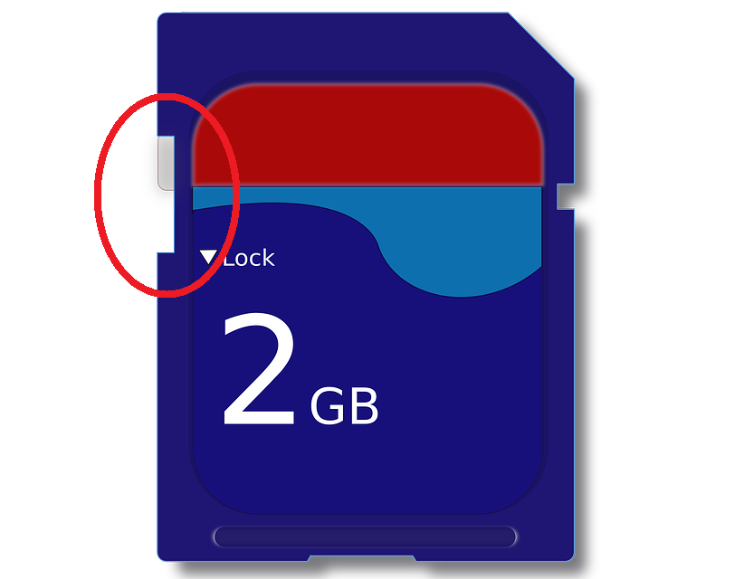 """Zatič na kartici SD ne sme biti pomaknjen tja kjer je napis """"Lock"""""""
