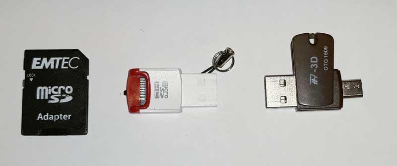 Na sliki trije različni vmesniki za vnos microSD kartice v računalnik